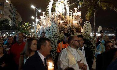 Nuestra Señora de la Luz pasea por Las Canteras
