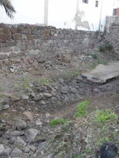 El Servicio Municipal de Limpieza limpia el cauce del Barranco de la Ballena