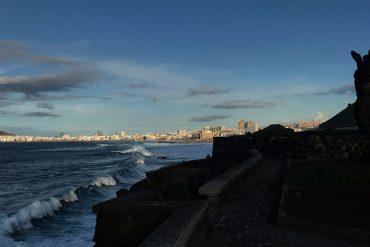 El Atlante mira a un Atlántico enfurecido