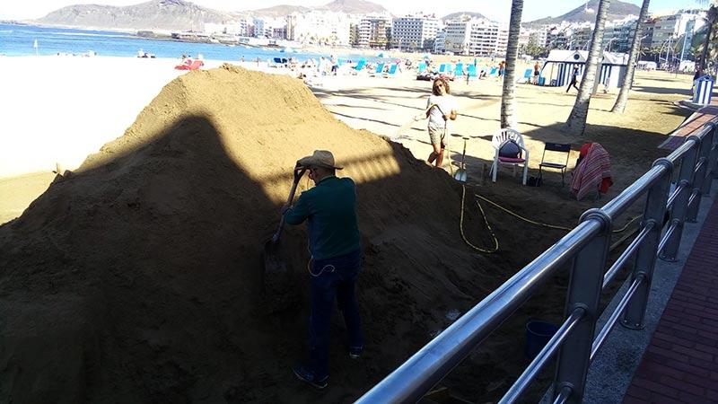 Etual preparando un nuevo proyecto en la playa