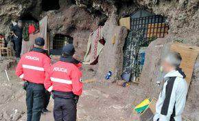 La Policía Canaria interviene en las cuevas de Los Canarios