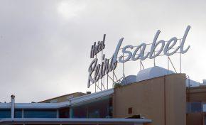 Las Canteras cerrará todos sus hoteles antes de final de mes
