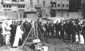 Se coloca la primera piedra del Hotel Cristina