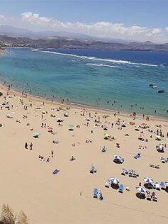 Mayo se despide de la playa de Las Canteras