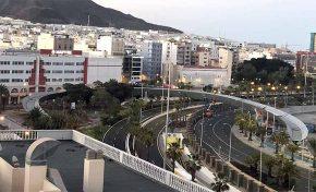 El Ayuntamiento inicia los trabajos en la plaza Alcaide Manolo García para completar el proyecto de la pasarela Onda Atlántica