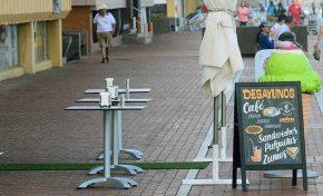 Se reduce la basura en la playa al no estar las mesas en el lado de la barandilla