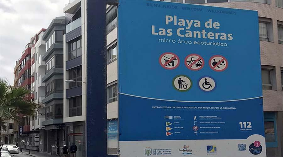 La playa de Las Canteras sin señalizaciones que indiquen que no se puede fumar