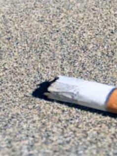 El Ayuntamiento publica el decreto donde rectifica y prohíbe de nuevo fumar en la playa