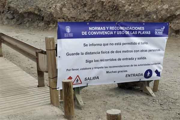 Lluvia de advertencias y multas a los bañistas de El Confital
