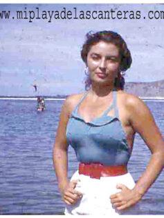 Maria del Carmen Benjumea, para muchos la mujer más guapa que pisó la playa de Las Canteras en los años cincuenta