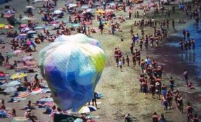 Años ochenta: publicidad electoral en la playa de Las Canteras