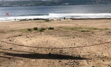Un infarto a un surfero mientras cogía olas en El Confital pone en evidencia las carencias en materia de seguridad y socorrismo en esta playa de la ciudad