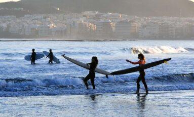 Las Canteras: playa surfera