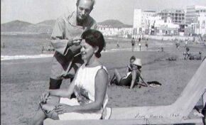 1967: sesión de peluquería en la misma playa