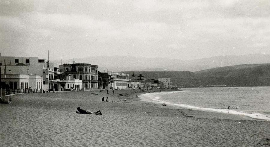 1951: imágenes inéditas de Las Palmas de Gran Canaria y de la playa de Las Canteras