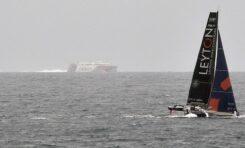 La playa de Las Canteras (fuera de la Barra) se convertirá el sábado y domingo en el escenario de dos jornadas de competición de los trimaranes de la Pro Sailing Tour