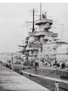 1939: un acorazado con bandera nazi en el puerto de Las Palmas