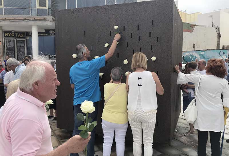 """Ofrenda floral, poemas y música este viernes en el monumento """"Luces en el Vacío"""" por el 13º aniversario de la tragedia del vuelo JK5022"""