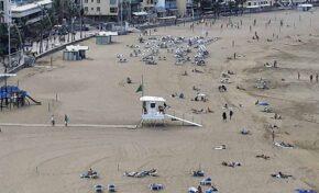 Vuelve a utilizarse la torreta de salvamento y socorrismo de la Playa Grande